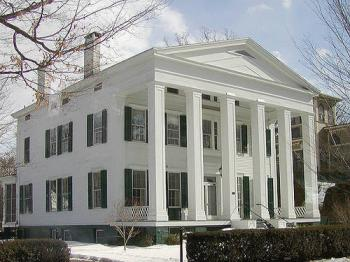 Greek Revial 1825-1860 Home search for Hendersonville White House Goodlettsville and Springfield TN